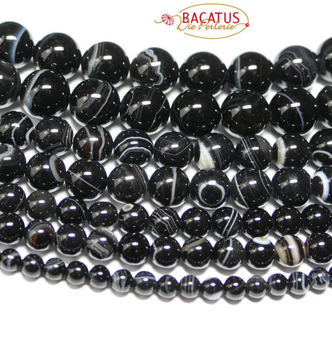 Sardonyx plain rounds black 4 - 12 mm, 1 Strand