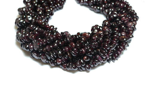 Garnet Nuggets red 5 x 8 mm, 1 Strand