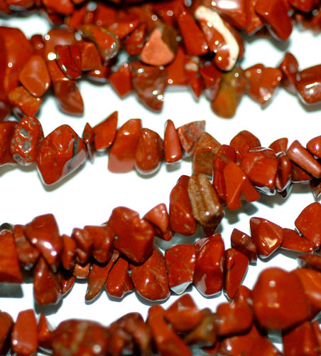 Red Stone Chips 5 x 8 mm, 1 Strand 78 cm