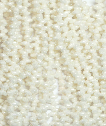SuperDuo Beads Perlen Twin 2,5x5 mm ( 14 ) Chalk White Luster 50 Stück, 1 Strang