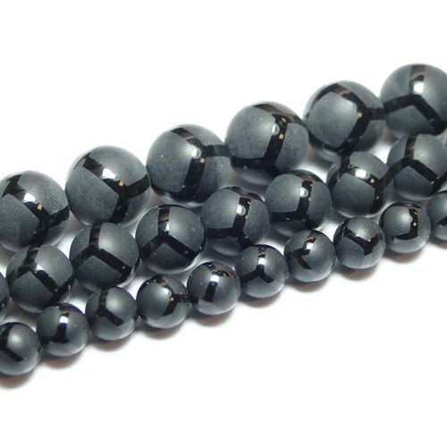 Onyx matte plain rounds with football side 6 - 10 mm, 1 Strand