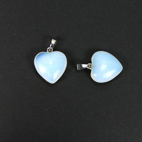 Opal Quartz heart pendant 20 x 33 x 9 mm, 1 piece
