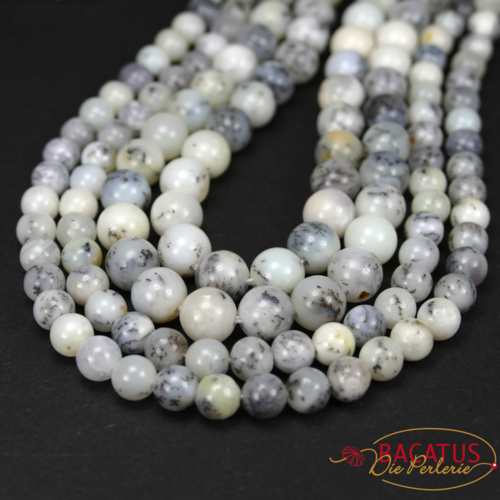 Opal plain rounds white 6 and 8 mm, 1 strand